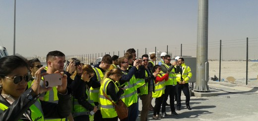 The students visit the large basin of the new Hamad port.