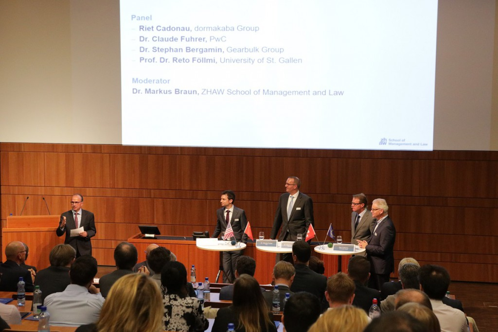 Panel discussion (from left to right) chaired by Markus Braun (ZHAW), Reto Föllmi (University of St. Gallen), Claude Fuhrer (PwC), Stephan Bergamin (Gearbulk Group), and Riet Cadonau (dormakaba Group).